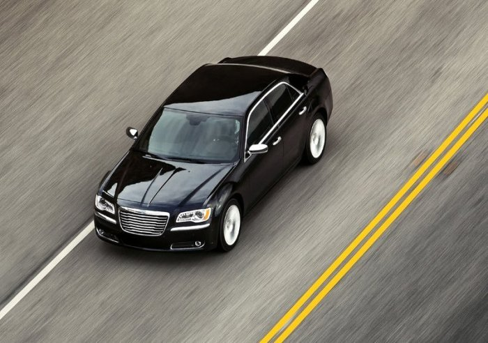 Chrysler 300. In 2011 sold almost 45.000 units world wide. From Jan-Apr/12 there have been sold 30.000 units. Photo by netcarshow.com