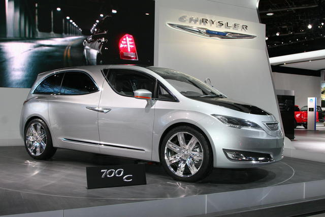 The Chrysler 700C concept to anticipate possible future lines of the next Town & Country. Photo by autoguide.com