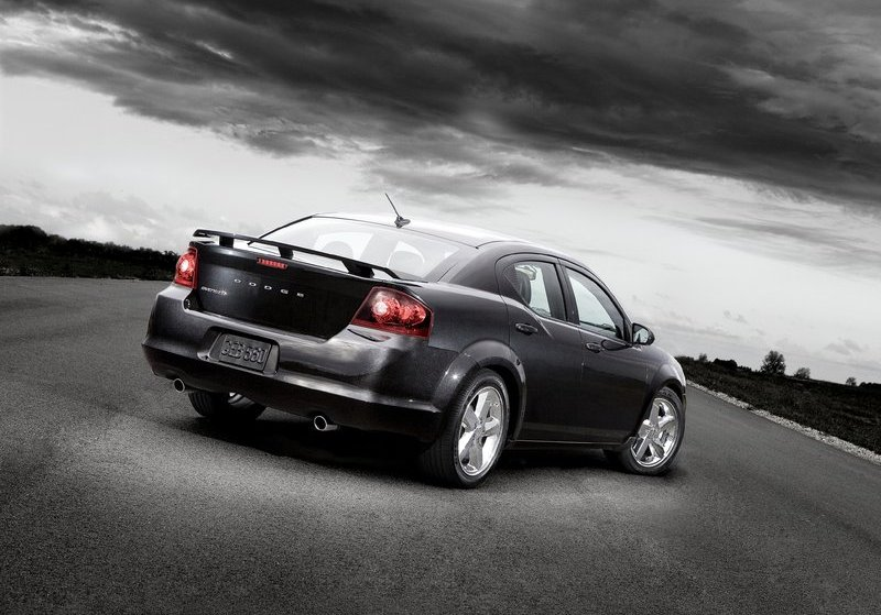 Dodge Avenger for North American and Middle East markets. Around 75.000 units were sold in 2011 in the whole world. Photo by netcarshow.com