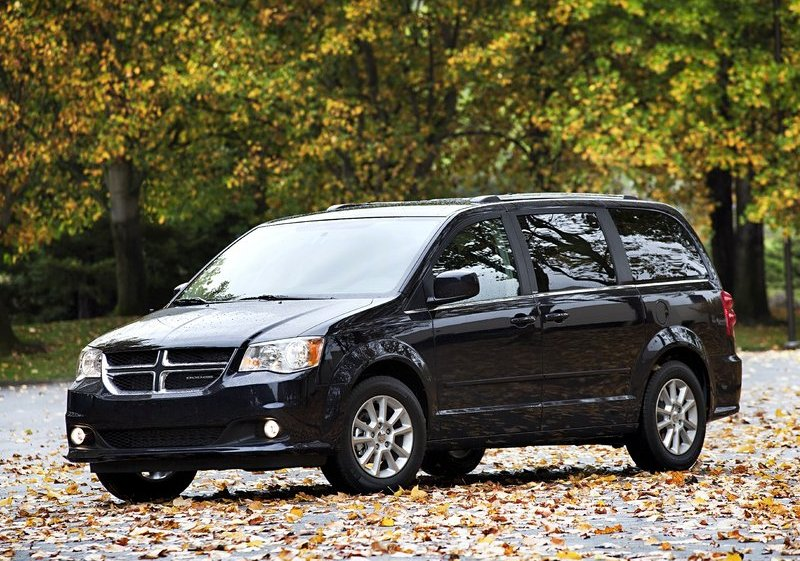 Dodge Caravan. Canada's Best selling MPV. Photo by netcarshow.com