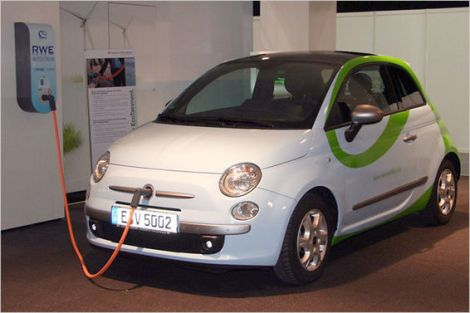 Fiat 500 EV. Photo by forococheselectricos.com