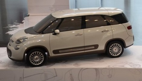 The coming Fiat 500L 7 seats scale model. Photo by Autoblog Espanol