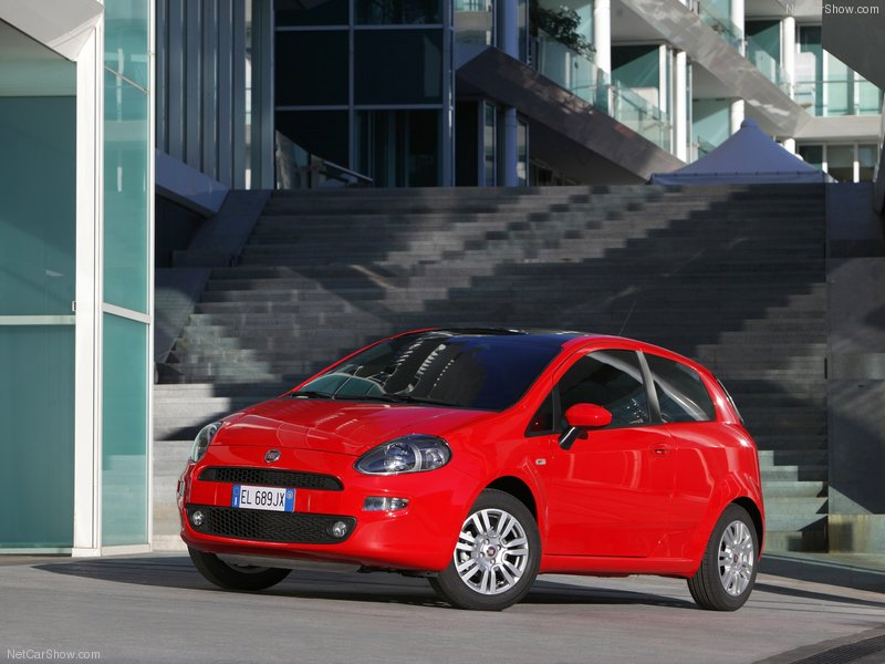 Fiat Punto, Italy's 'B' segment best seller. Photo by netcarshow.com