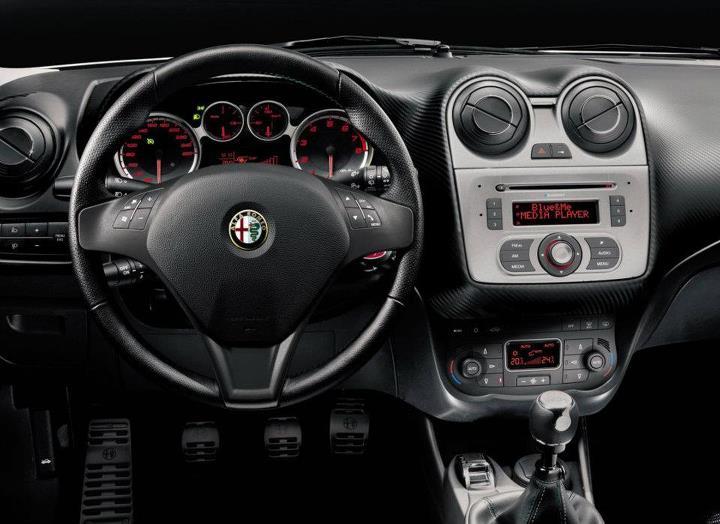 Alfa Romeo Mito Interior 11035   LOADTVE