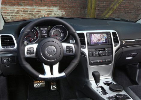 Grand Cherokee SRT8 Interior