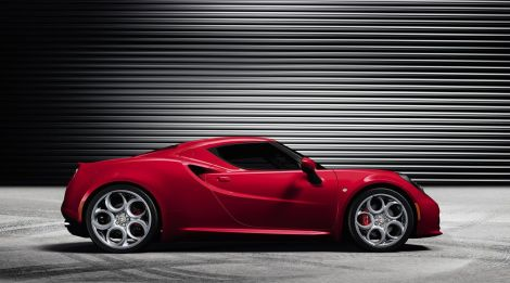 The new Alfa Romeo 4C is more or less the same concept car presented in Geneva 2011. Notice that front wheels are smaller than rear ones.