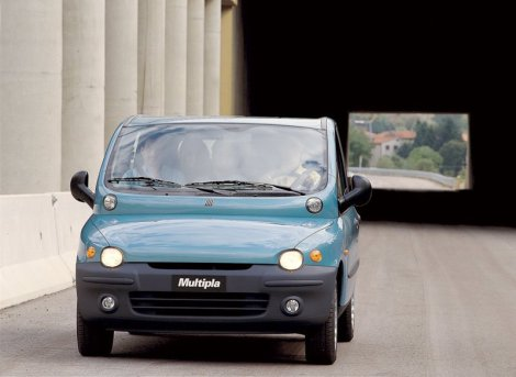 Yes, it is ugly, very ugly. The Multipla is an example of how Italians dare no matter the final result. It was a flop outside Italy, but it was unique, original and a great idea. A rational creator wouldn't had ever conceived it.