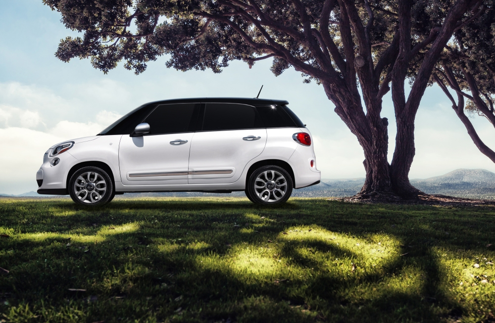 The new enlarged version will support the 500L sales in Europe and USA. It is expected to be 20-30 cms larger. In the photo, the regular 500L for US market