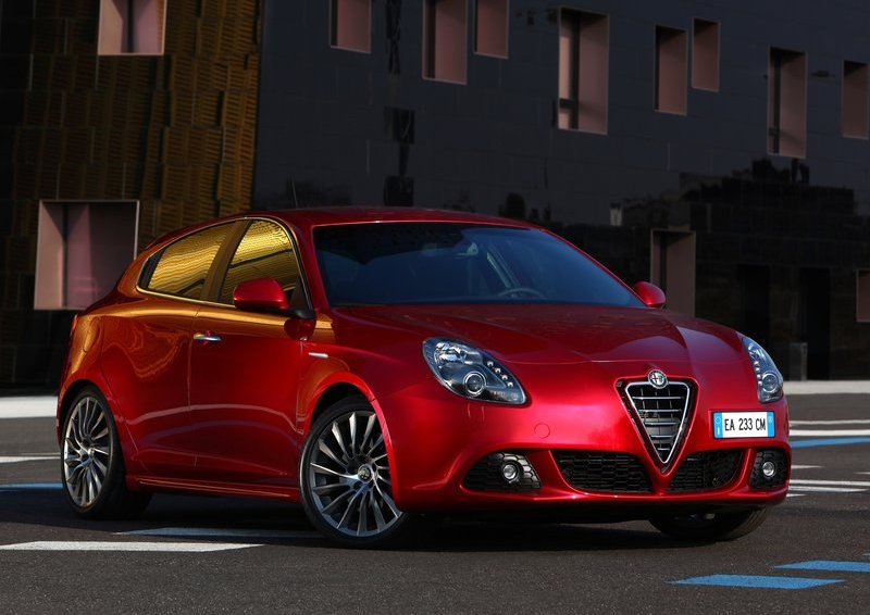 The Giulietta struggles to survive European crisis, despite the lack of more bodytype options and increasing competition (new Golf, A3, 1-Series, DS4).