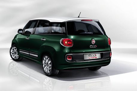 Fiat 500L Living rear view