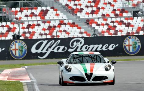 Alfa Romeo is the official sponsorship of the Superbike World Championship. For the Russian race, that took place this weekend in Moscow, the brand prepared a special Tricolore 4C as the safety car, along with the MiTo. Great visibility and very good comments.