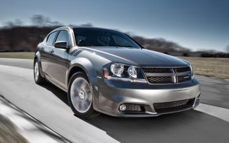 2013-Dodge-Avenger-front-three-quarter-motion1-1024x640