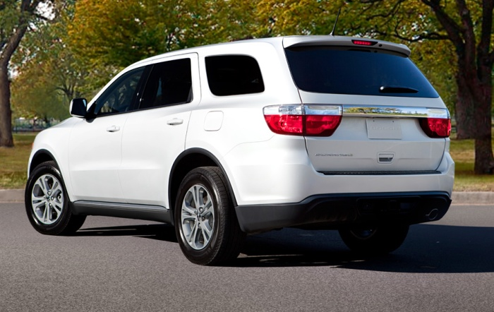 Dodge-Durango-SUV-2013-Rear_View