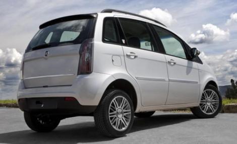 Nuevo-Fiat-Idea-2013-back