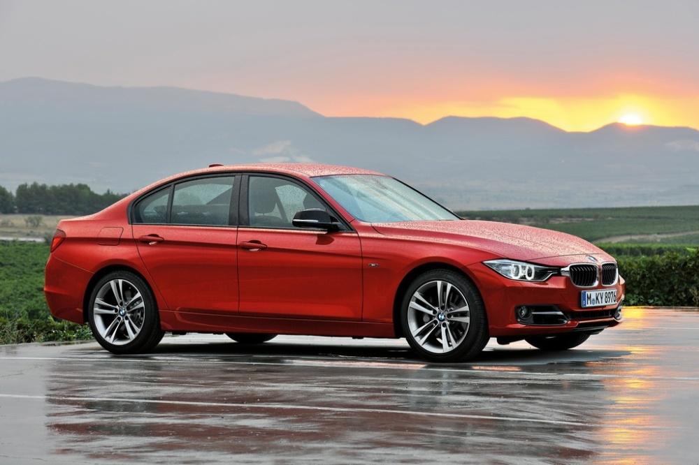 2013-BMW-3-Series-2