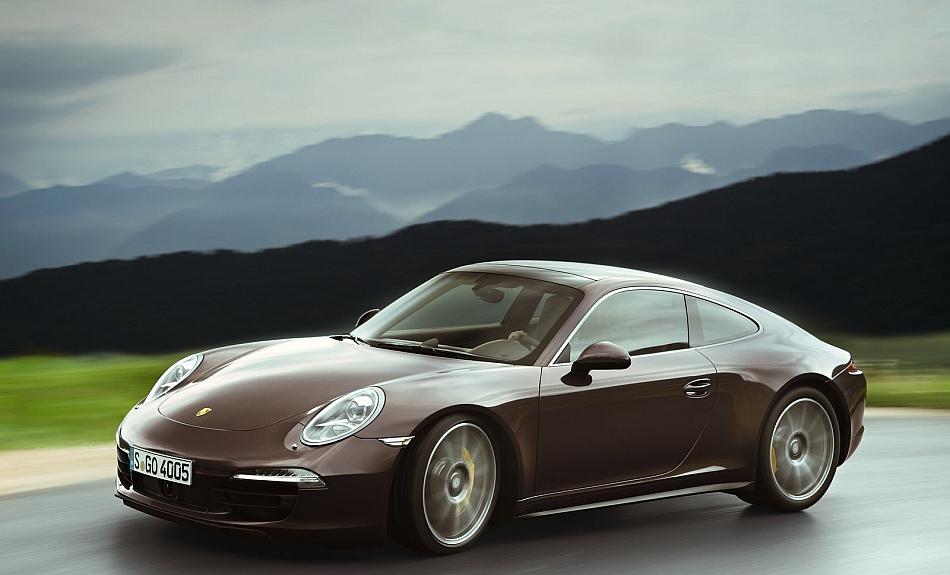 2013-Porsche-911-Carrera-4S-Coupe