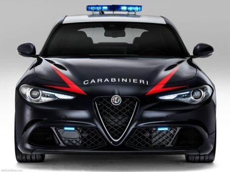 Alfa_Romeo-Giulia_Quadrifoglio_Carabinieri-2017-1024-05
