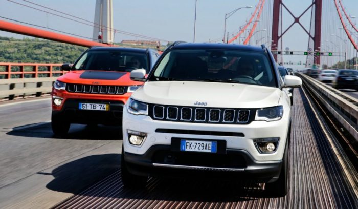 Jeep-Compass_Couple-3-990x578